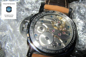 Panerai_watch_with_seal